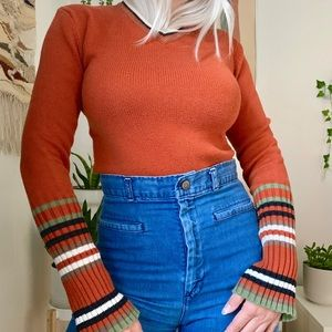 Vintage 90s does 70s retro bell sleeve sweater S
